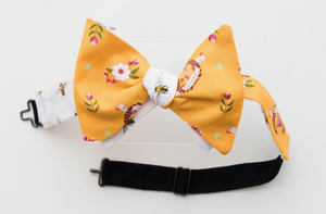 YELLOW TROPHY & BEE BOW TIE