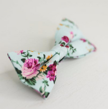 Load image into Gallery viewer, PINK ROSE FLORAL BOW TIE