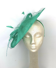 Load image into Gallery viewer, THE LYNDIE LEIGH FASCINATOR