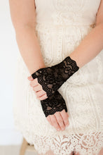 Load image into Gallery viewer, Women's Lace Gloves