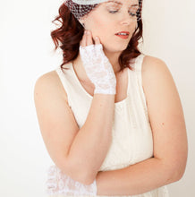 Load image into Gallery viewer, White Lace Gloves