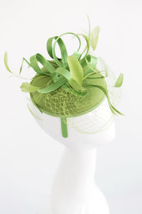 Green Fascinator with veil on headband, Women's Tea Party Hat, Church Hat, Derby Hat, Fancy Hat, Green Hat, wedding hat, British Hat