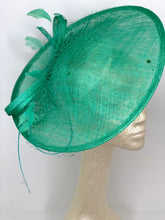 Load image into Gallery viewer, Jade Green Fascinator Hatinator Derby Hat, Womens Tea Party Hat, Church Hat, Derby Hat, Fancy Hat, Royal Hat, Tea Party Hat, weddin