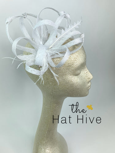 White Fascinator, Derby Hat, Tea Party Hat, Bridal wedding hat, Derby Hat, Formal Hair Piece, Woman's Hair Clip, British Fancy Hat,