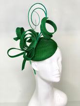 Load image into Gallery viewer, Emerald Green Fascinator