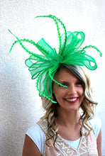 Load image into Gallery viewer, Kelly Green Fascinator