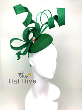 Load image into Gallery viewer, Emerald Green Fascinator / Red Jewel Bee