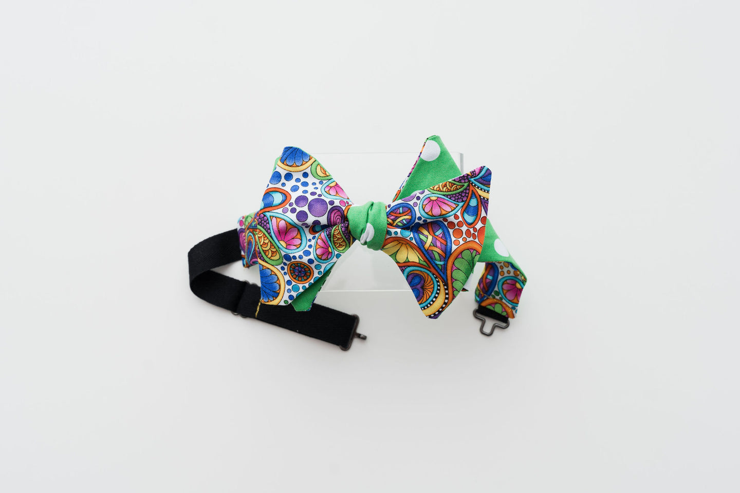 PAISLEY GREEN & DOT BOW TIE