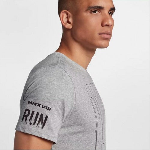 Men's Nike Run Berlin 2018 Shirt     AR1435-063