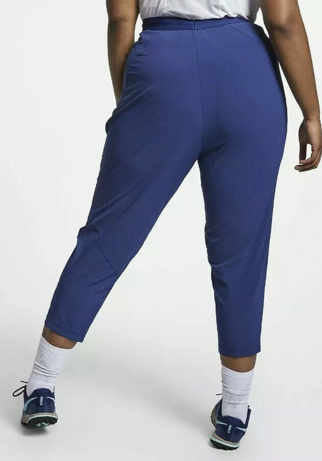 Women's Nike Flex Essentials 7/8 Running Pants.    BV0266-492  Size 1X.