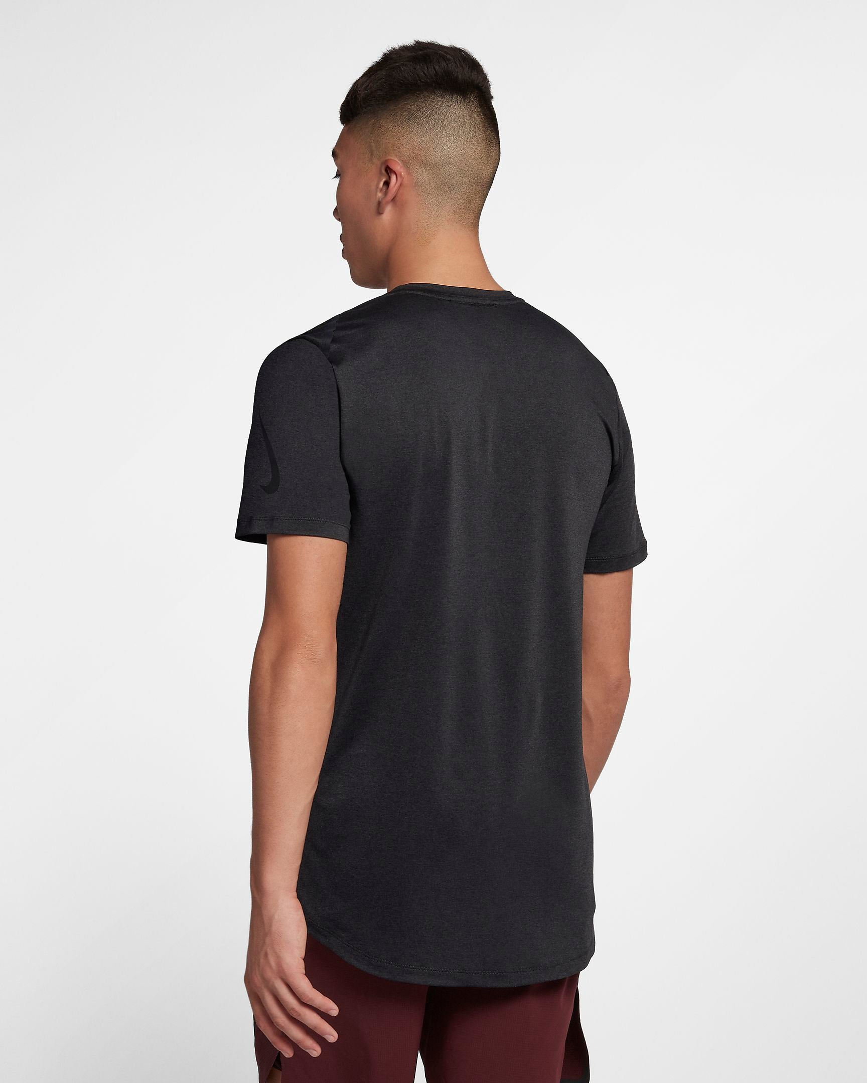 Men's Nike DRY Training Shirt.    928015-010