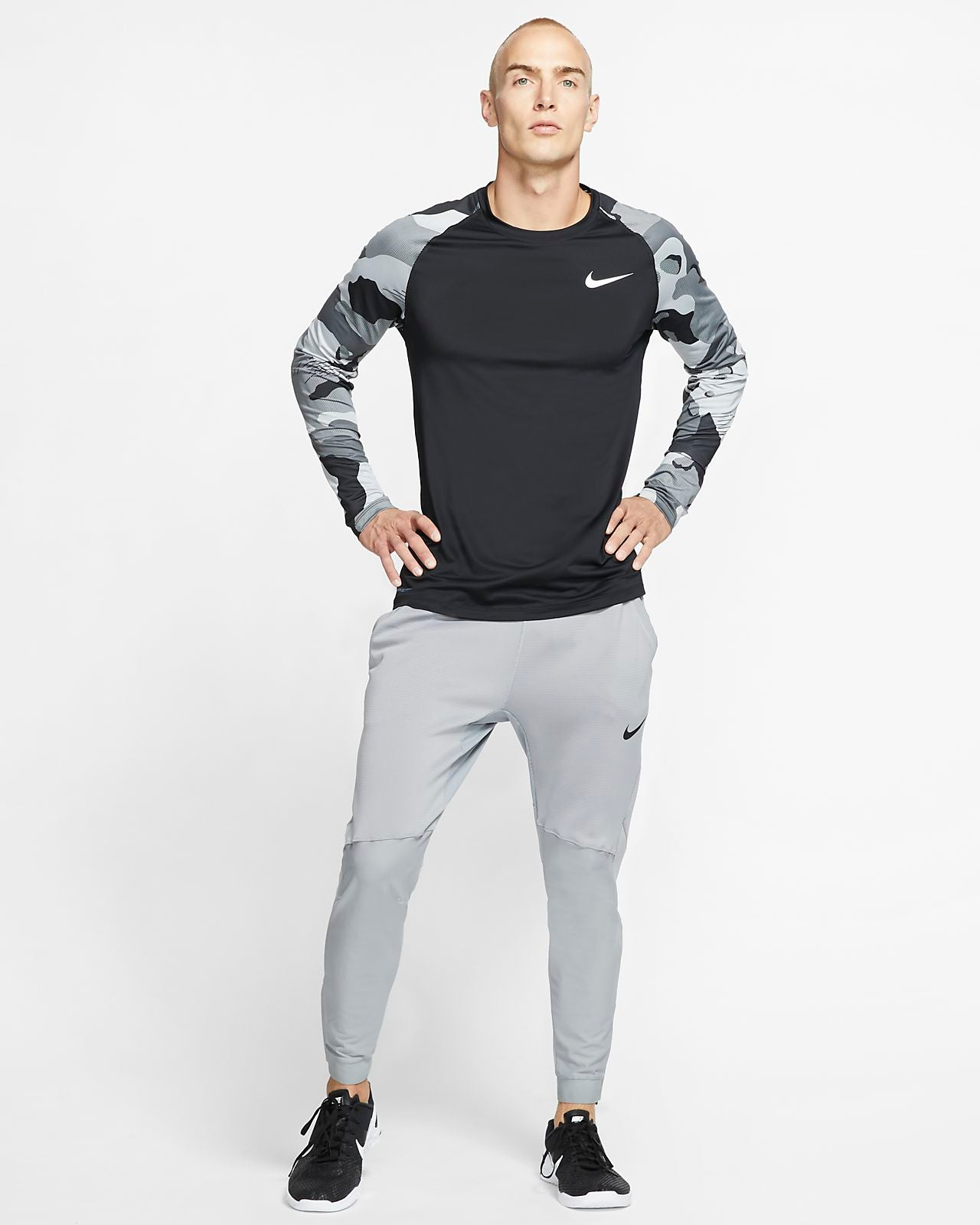 Men's Nike Pro Long Sleeved Top BV5519-010