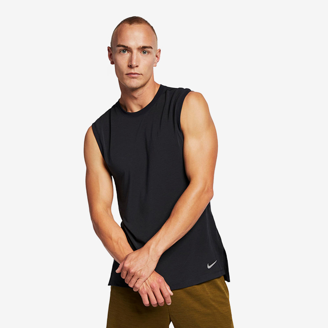 Men's Nike Training Vest        AJ8160-010.