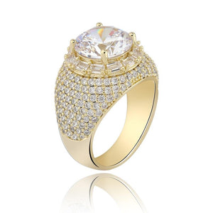 Clustered Diamond Ring in Yellow Gold