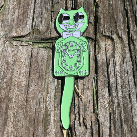 Moving Cat Clock Mint | Enamel Pin