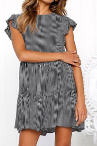 Sexy Striped Pleated Horn Sleeve Dress