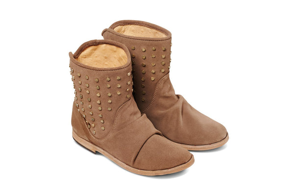 featured image JUNCO boot - Taupe Suede - angle view noscript image