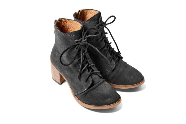 featured image MEADOWLARK heeled boot - Off Black Suede - angle view noscript image