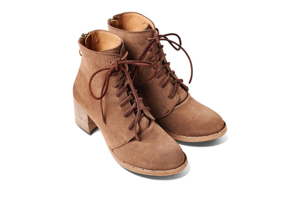 featured image MEADOWLARK heeled boot - Taupe Suede - angle view noscript image