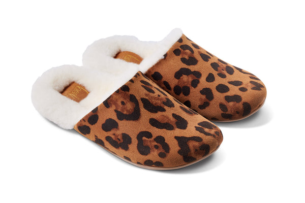 featured image BRRR-BIRD shearling slipper - Leopard - angle shot noscript image