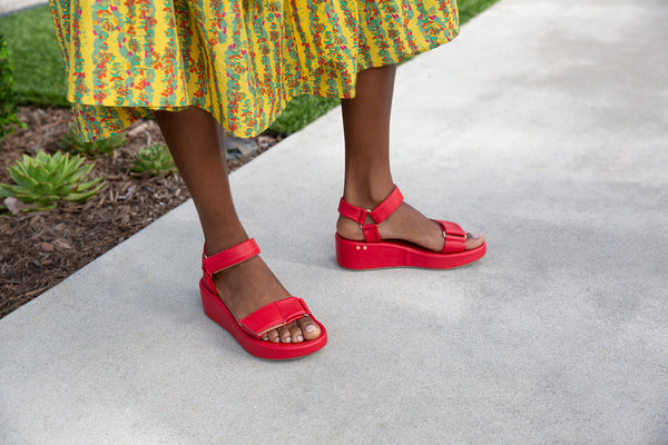 secondary image ROO flatform sandal - Red - on model shot 1 noscript image