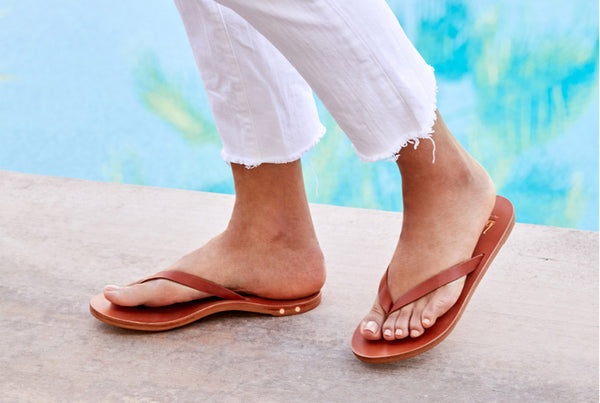 secondary image SEABIRD sandal - Tan/Tan - on model shot noscript image