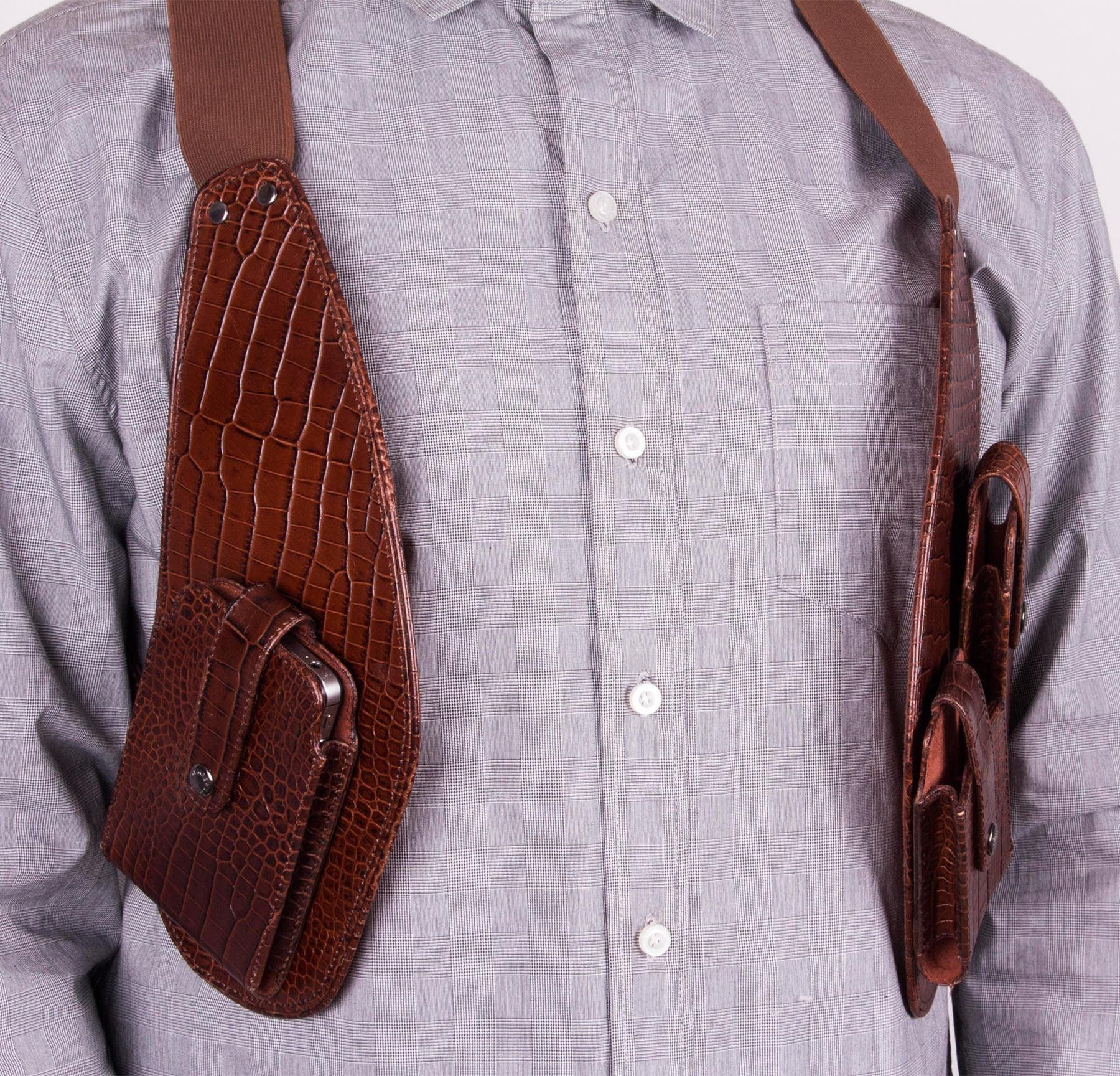 Brown Gator Men's Leather Cellphone Holster (Chocolate) - Front
