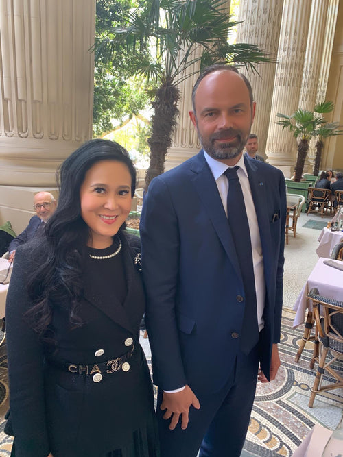Jessica Chaijaya and former French Prime Minister Edouard Philippe, Fabian de Mortier