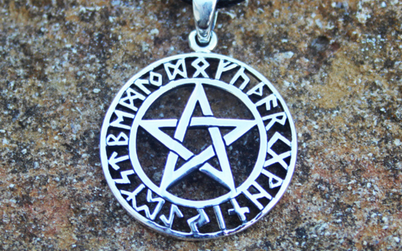 celtic pentagram unholy skull