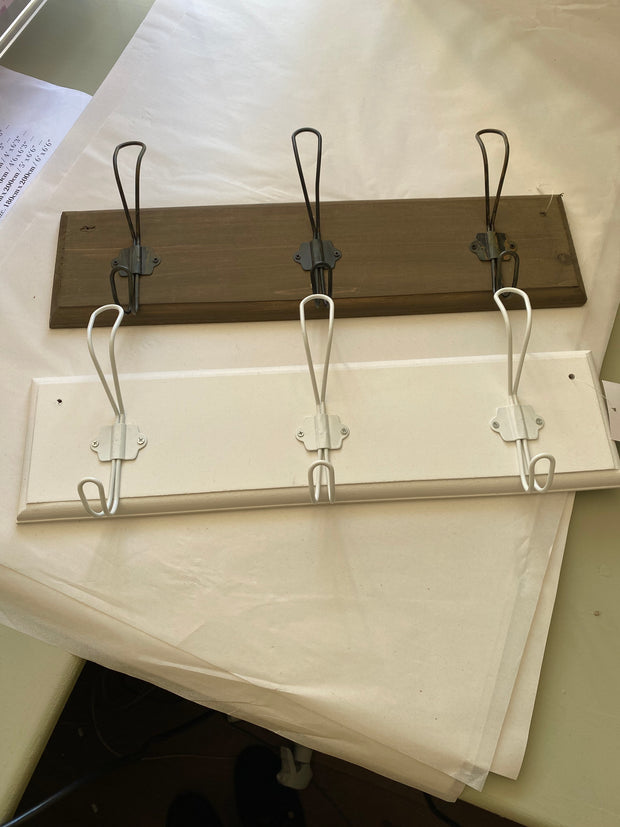 Wooden board with 3 metal hanging hooks