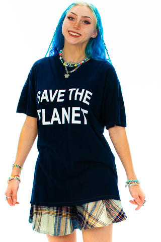 SOLD!  Vintage Y2K Save The Planet T-Shirt - XL/2X