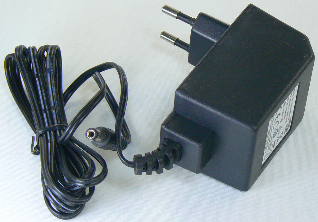 220/240 V AC 50Hz ? Output 6V 1A Power Adaptor (Europe/Asia)