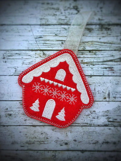 ITH in the hoop scandi style gingerbread house felt Christmas tree decoration 2 sizes