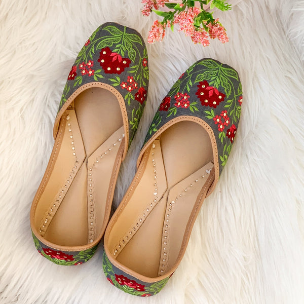 Buy juttis for women online