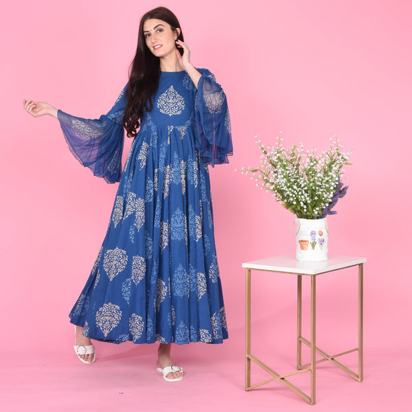 Blue cotton dress with discharge print