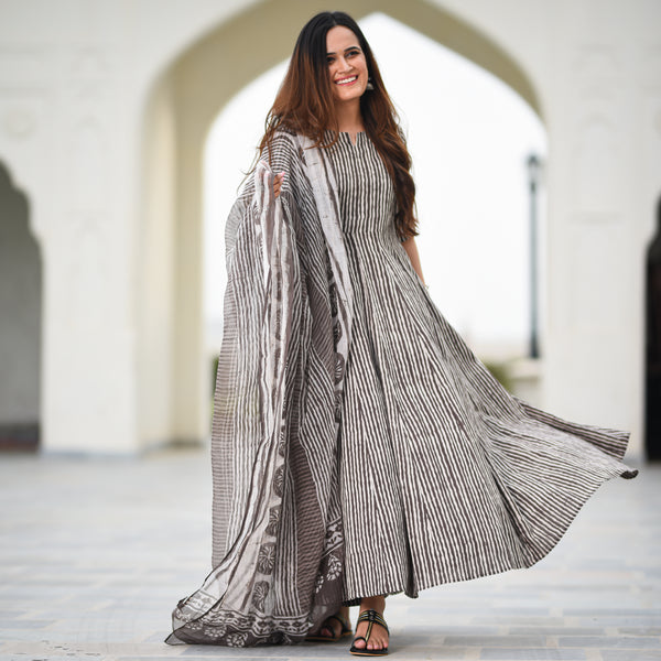 stripes grey cotton suit set ,grey cotton suit with doriya dupatta