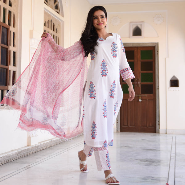 get amazing quality pink cotton suit set online