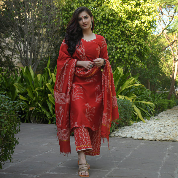 get amazing quality red chanderi discharge prin suit set online