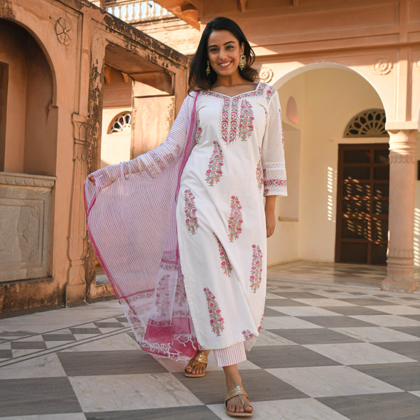 get pink and white cotton suit set online