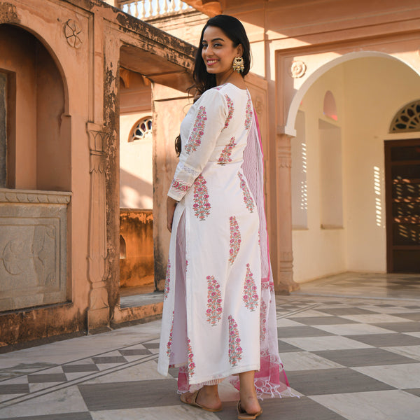 get amazing quality pink and white cotton suit with doriya dupatta online