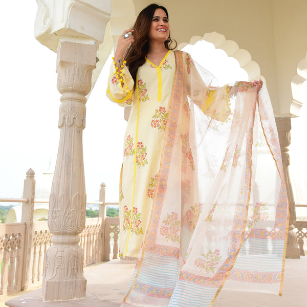 get amazing quality suit set with cotton kurta  and organza  dupatta