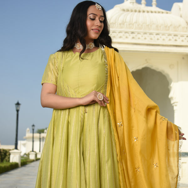 yellow silk kurta with chanderi dupatta,silk kurta with dupatta