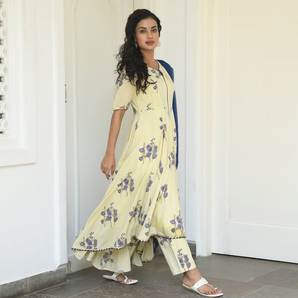 get floral suit set with cotton kurta and chiffon dupatta