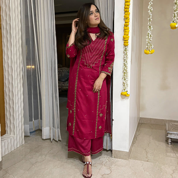 buy best quality red suit set online at best prices