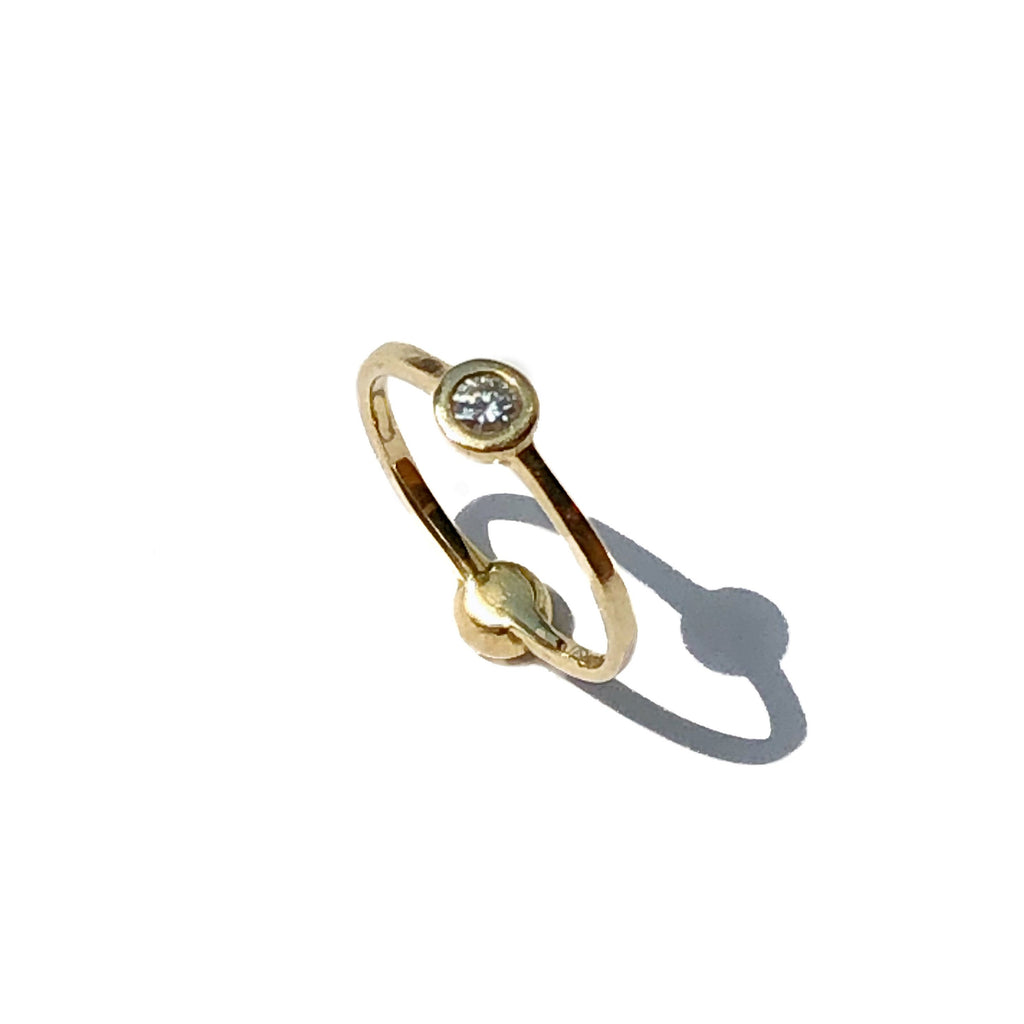 2 sided round diamond gold ring