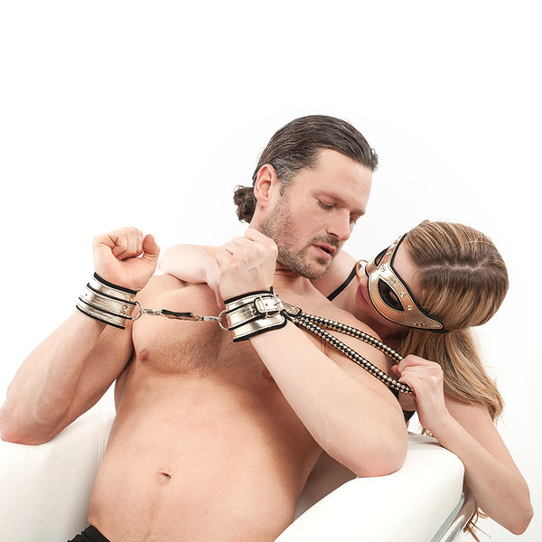 Luxury SM Bondage Set Handcuffs Eye Mask Queen Training Slave Tools Sex Adult Flirting Toy