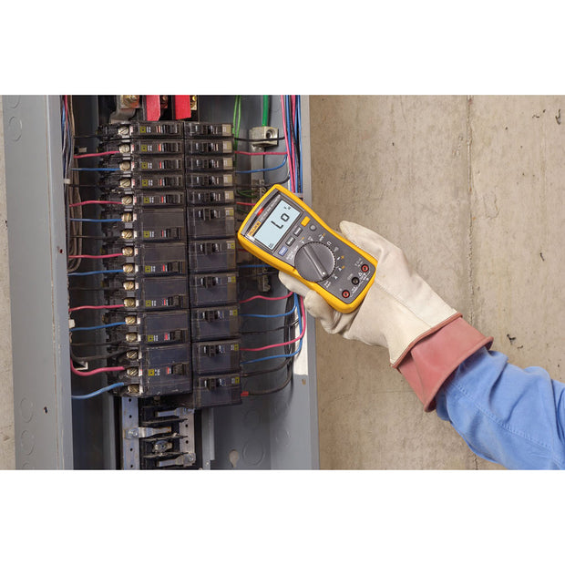 Fluke 2538815 117 Electrician's True RMS Digital Multimeter with Non-Contact Voltage Detection