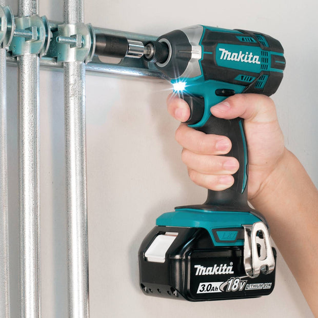 Makita XDT111 18V LXT Lithium-Ion Cordless Impact Driver Kit (3.0Ah)