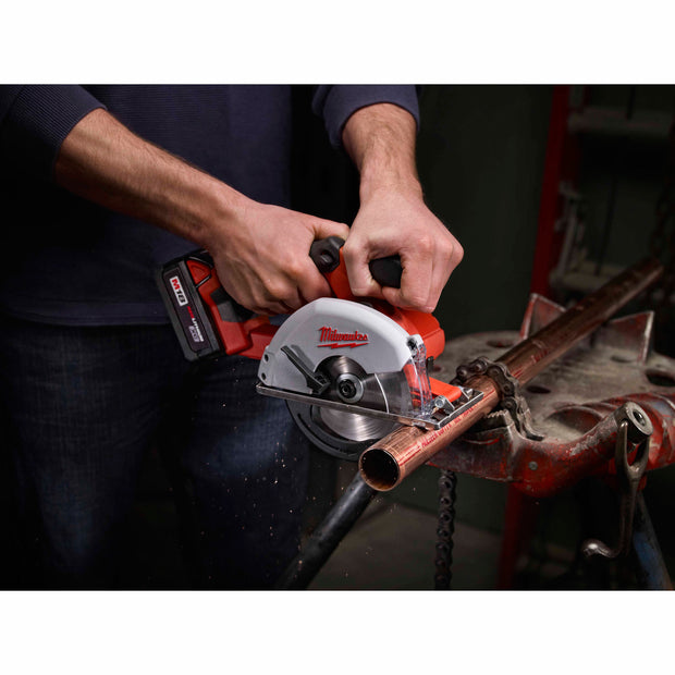 "Milwaukee 2682-22 M18 Lithium-Ion 5-3/8"" Cordless Metal Circular Saw Kit"