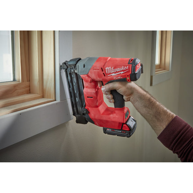 Milwaukee 2740-21CT M18 FUEL 18GA Brad Nailer Kit